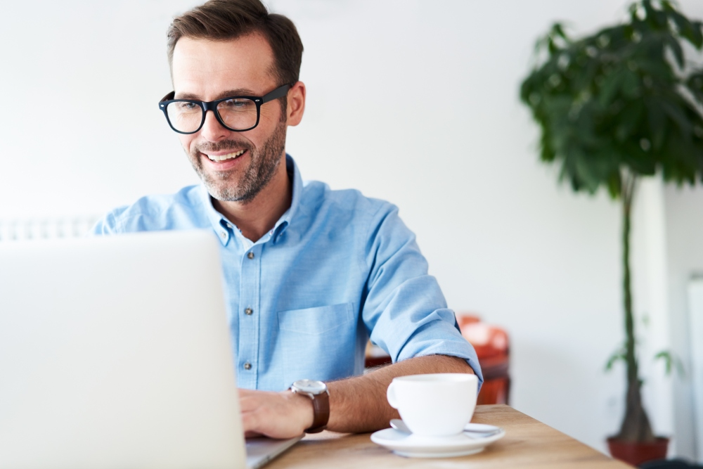 Reaching dental patients online